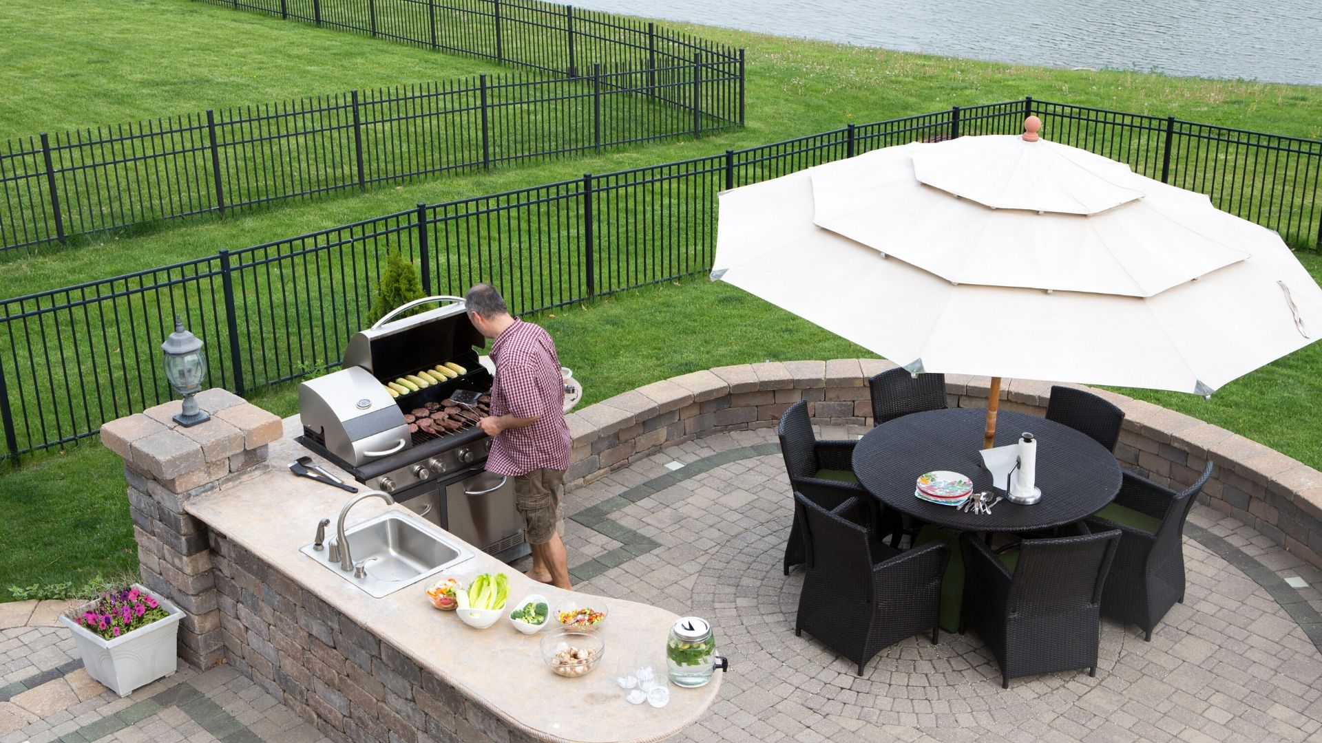 Outdoor Kitchen service - Vittorio Remodeling & Construction
